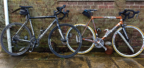 Cannondale-R700-vs-CAADX