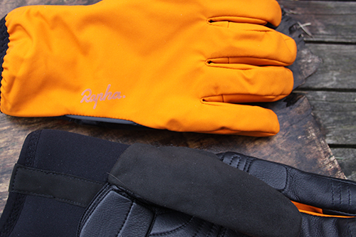 Rapha-Winter-Glove-closeup